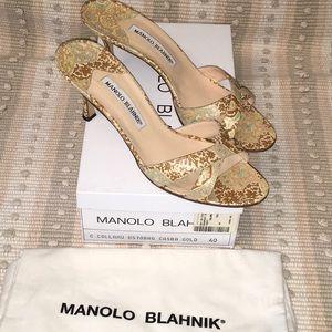 100 AUTH MANOLO BLAHNIK Size 10 CASBA GOLD HEELS